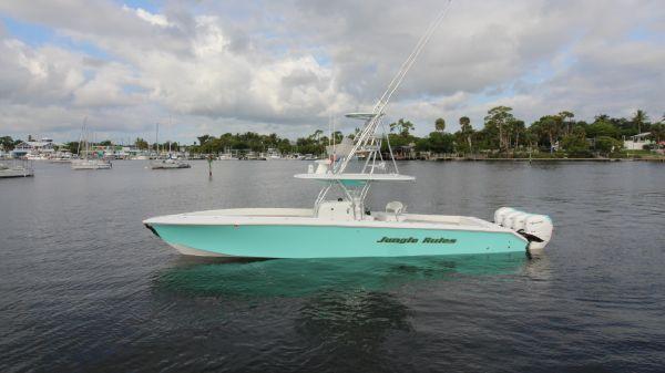 Bahama 41 Forward Seating