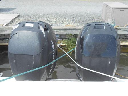 Boston Whaler 320 Outrage image