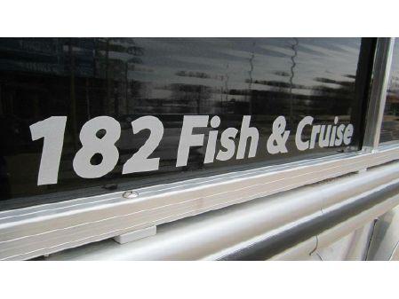 Lowe Ultra 182 Fish & Cruise image