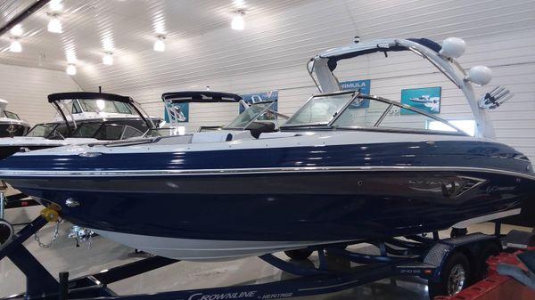 Crownline 240 SS SURF