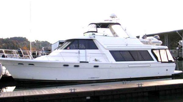Bayliner 4788 Pilothouse Photo 1