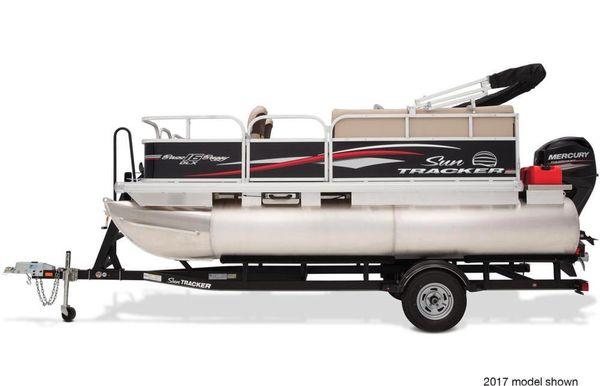 2018 Sun Tracker Bass Buggy 16 DLX