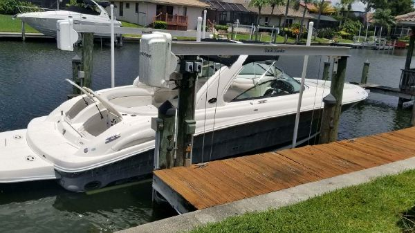 Sea Ray 290 SLX Bow Rider