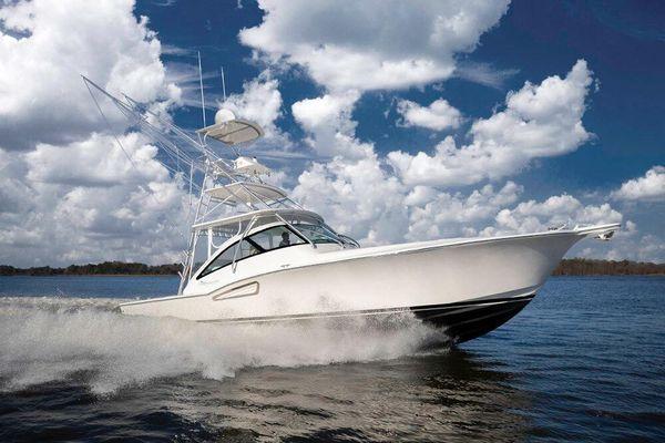 Albemarle 41 Custom Carolina Edition - main image