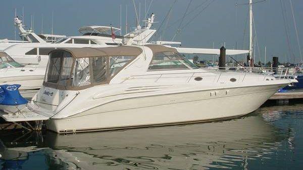 Sea Ray 450 Sundancer - Cherry/lift!