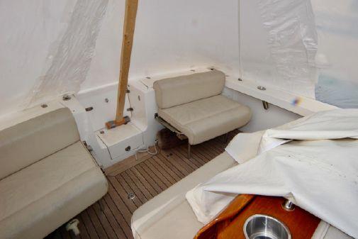 Hunt Yachts Harrier image