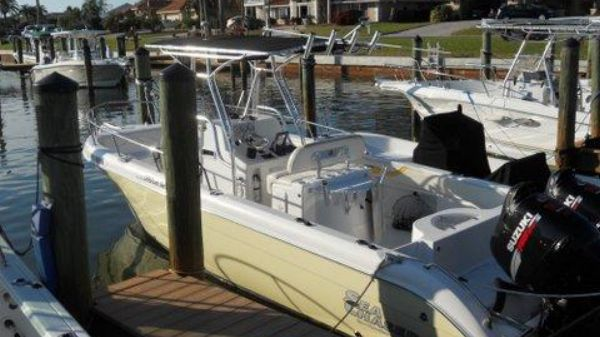 Carolina Skiff 24 Center Console, Offshore