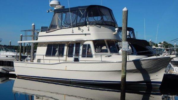 Mainship 400 Trawler