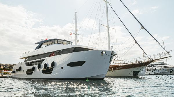 Trawler BORA Boat ONYX 87