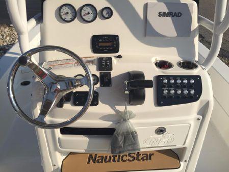 NauticStar 227 XTS image