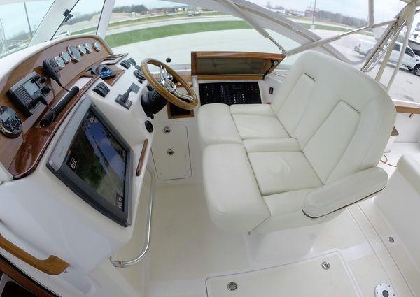 Hunt Yachts Harrier 29 image