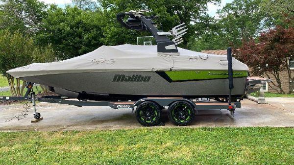 Malibu 22 MXZ Wakesetter