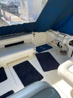 Sea Ray Express Cruiser 400 image