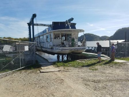 Lazy Days Houseboat image