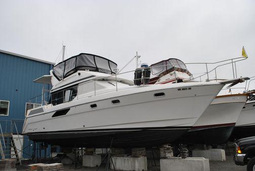 Bayliner 4387 image