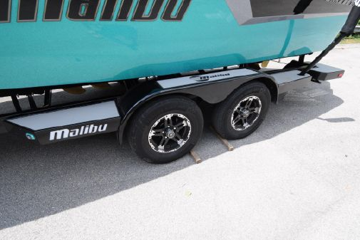 Malibu Wakesetter 22 MXZ image