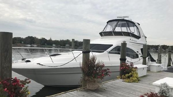 Sea Ray 44 Sedan Bridge