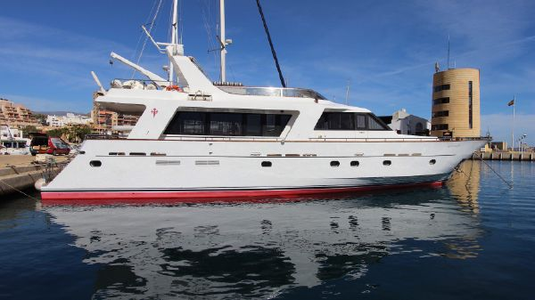 MONTY NORTH WIND Long Range Yacht