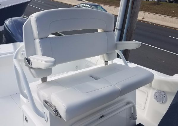 Buddy Davis 28 Center Console image