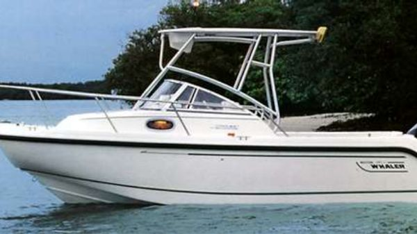 Boston Whaler 21 Conquest