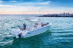 Mako 334 CC Bluewater Family Editionimage