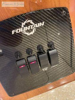 Fountain 38 Lightning image
