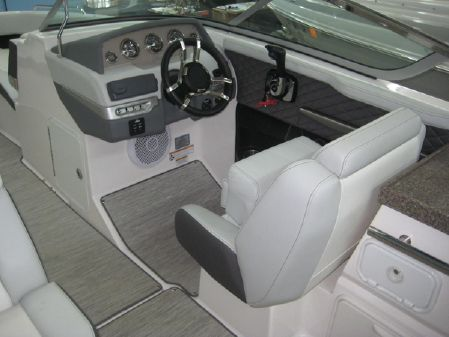 Regal 27 FasDeck image