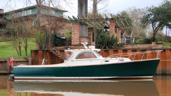Hinckley 36 Picnic Boat Classic Profile 1