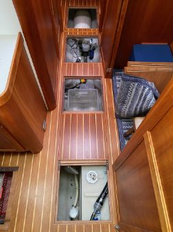 Sabre 42 Flybridge image