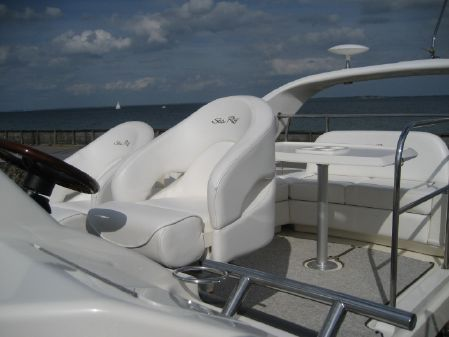 Sea Ray 375 Sedan Bridge image