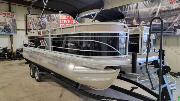Sun Tracker Party Barge 22RF DLX