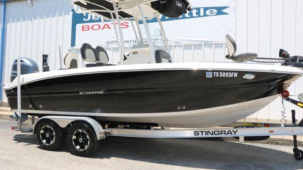 Stingray 216