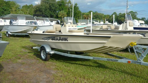 SeaArk RXT 170