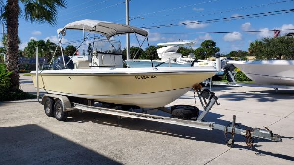 Sailfish 2100 BB Bay Boat