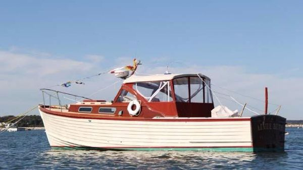 MacKenzie Cuttyhunk Bass Boat
