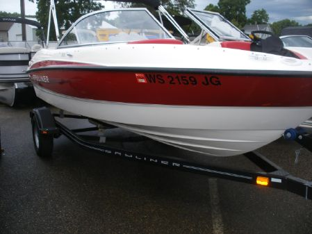 Bayliner 185 Bowrider image