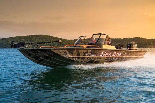 SeaArk ProCat 240 image