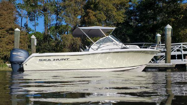 Sea Hunt Victory 225 WA