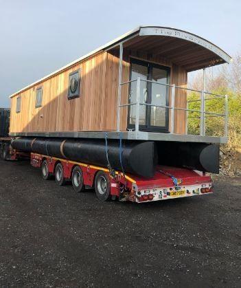 Houseboat 40 w Freehold mooring image