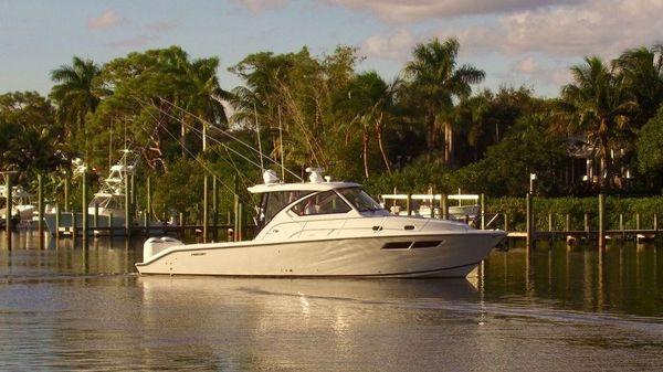 Pursuit Boats OS 355