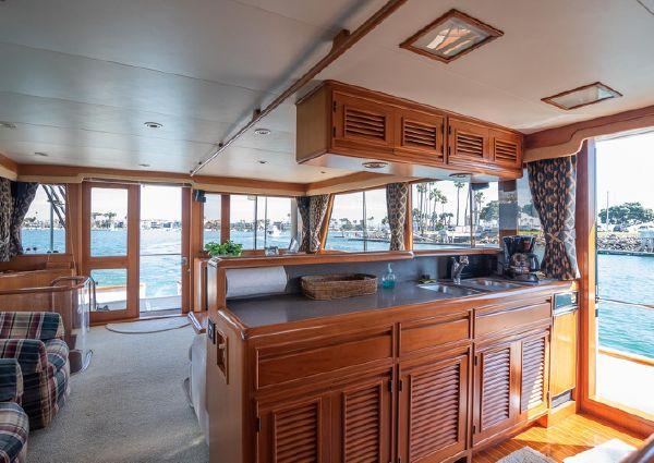 Offshore Yachts Flush Deck Motor Yacht image