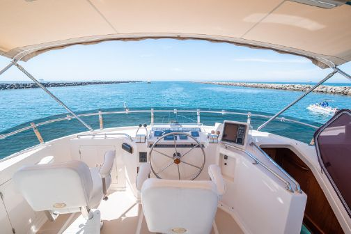 Offshore Yachts Flush Deck Motor Yacht image