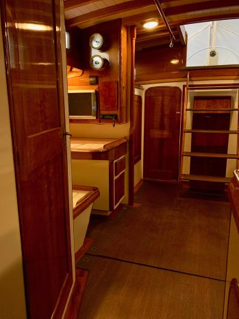 1998 W-Class Purchase BoatsalesListing