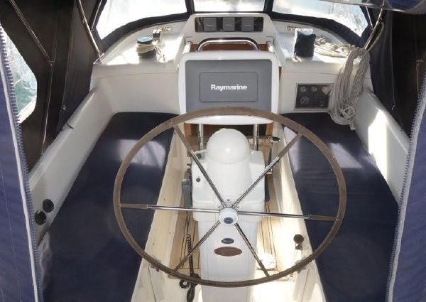 Oyster 45 Deck Saloon image