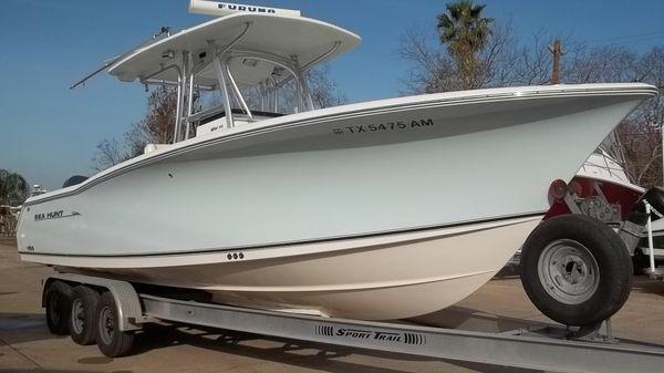 Sea Hunt Triton 290