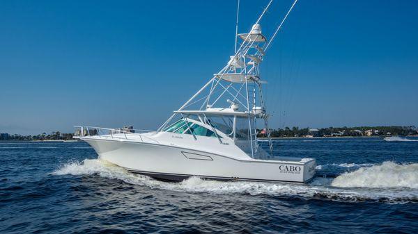 Cabo Yachts 45 EXPRESS
