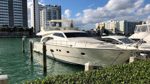 Ferretti Yachts 680 Flybridge