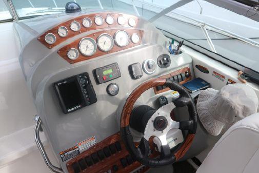 Bayliner 320 image
