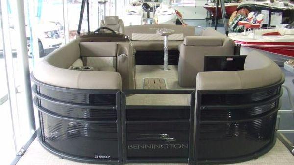 Bennington 23SSBXP