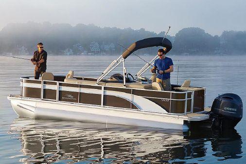 Bennington SX 22 Fishing image